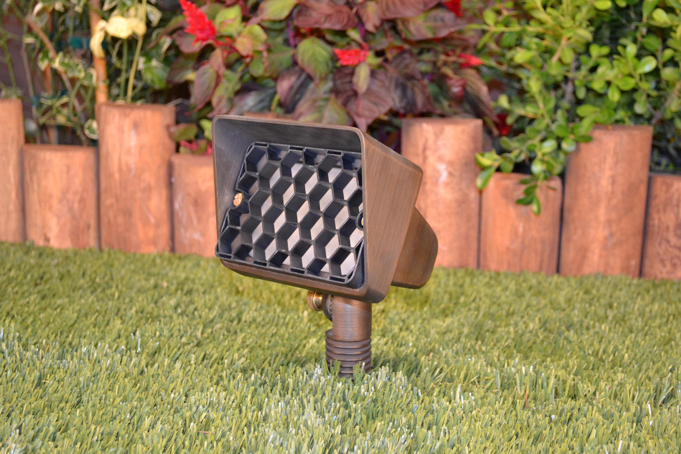 Unique Lighting Systems Starburst 12 Volt Brass Up Light - Yard ...
