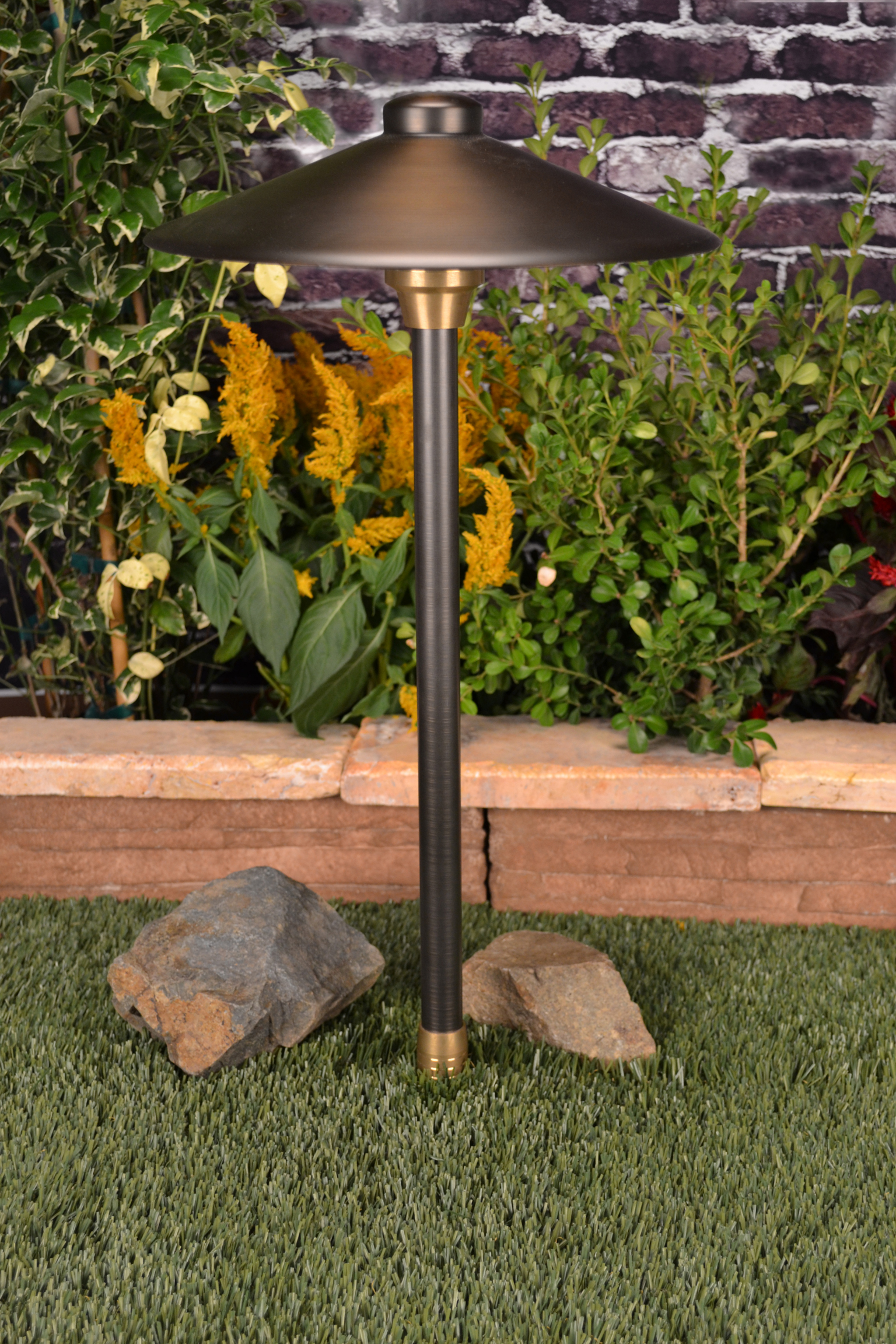 Centaurus 12 by unique lighting systems 12 volt brass for Volt landscape lighting